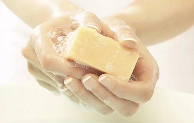Хозяйственное мыло от прыщей - на лице, помогает ли, отзывы