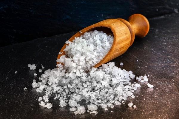 Полезная для кожи лица соль