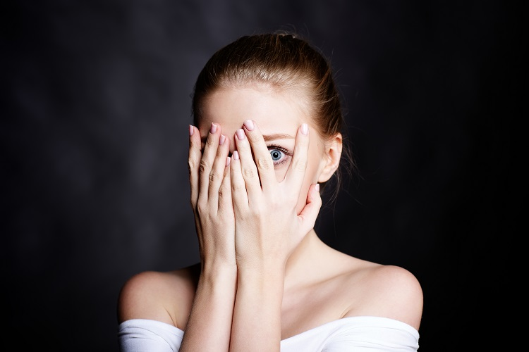 Девушка, которая узнала про причины аллергии